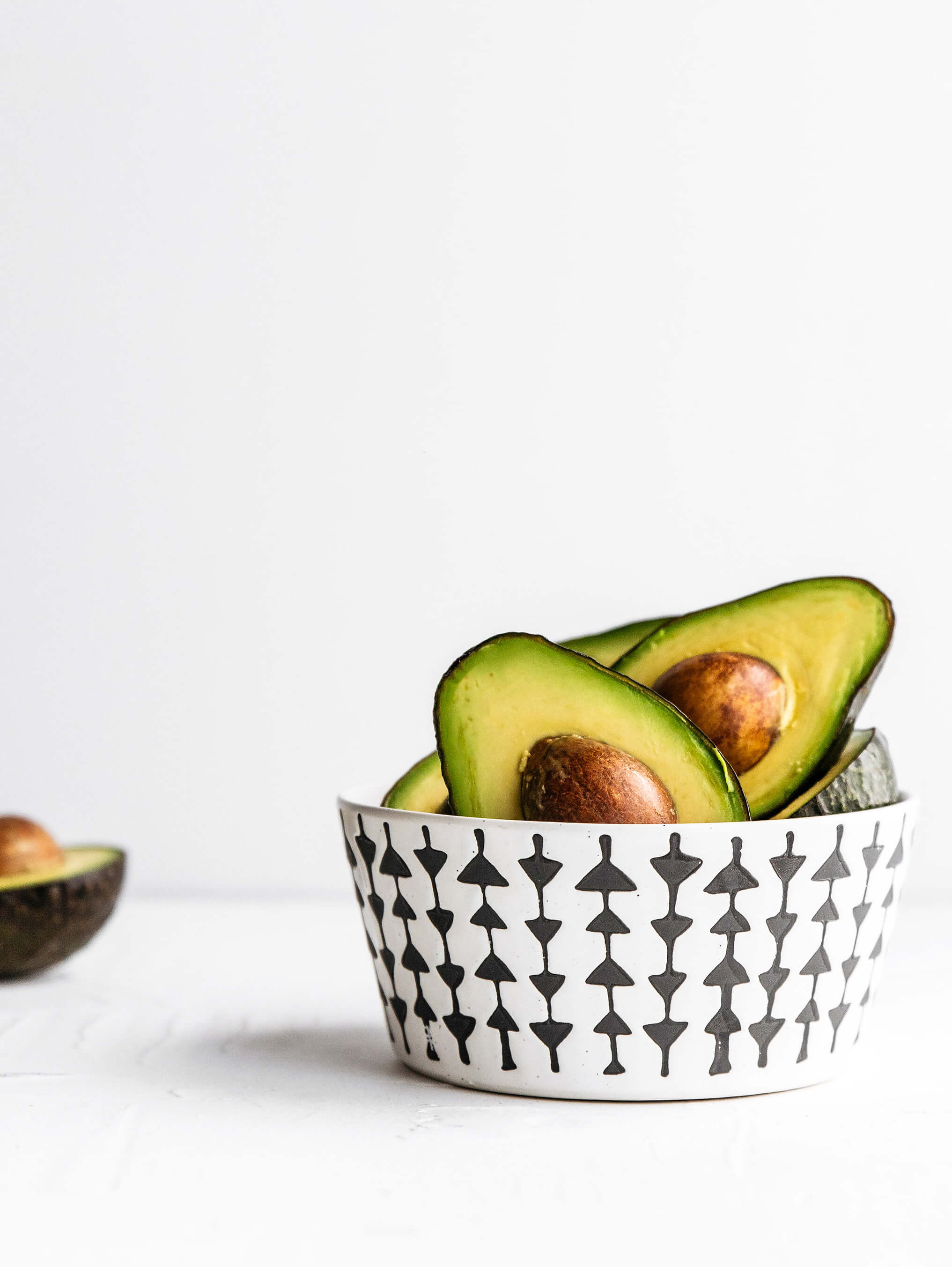 How avocados can help with eye bags by beauty after forty