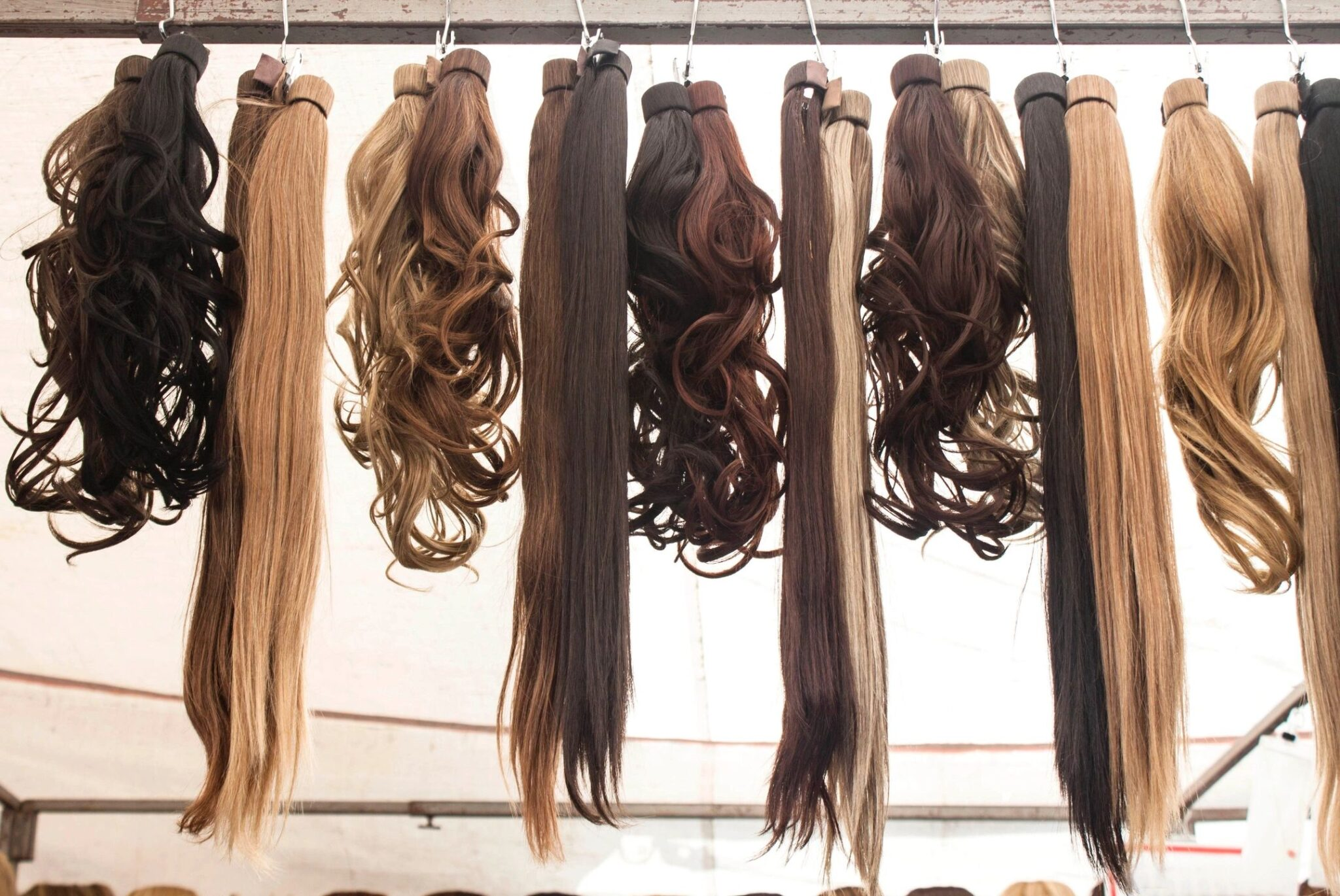 The different types of hair extensions by beauty after forty